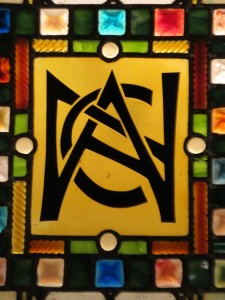 National_Arts_Club_logo_in_stained_glass